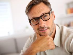 Eine implantierbare Kontaktlinse (ICL) ist ein besonders eleganter Weg, um hohe Fehlsichtigkeiten auszugleichen. Sie erlaubt auch in schwierigen Fällen die präzise Korrektur Ihrer Fehlsichtigkeit.